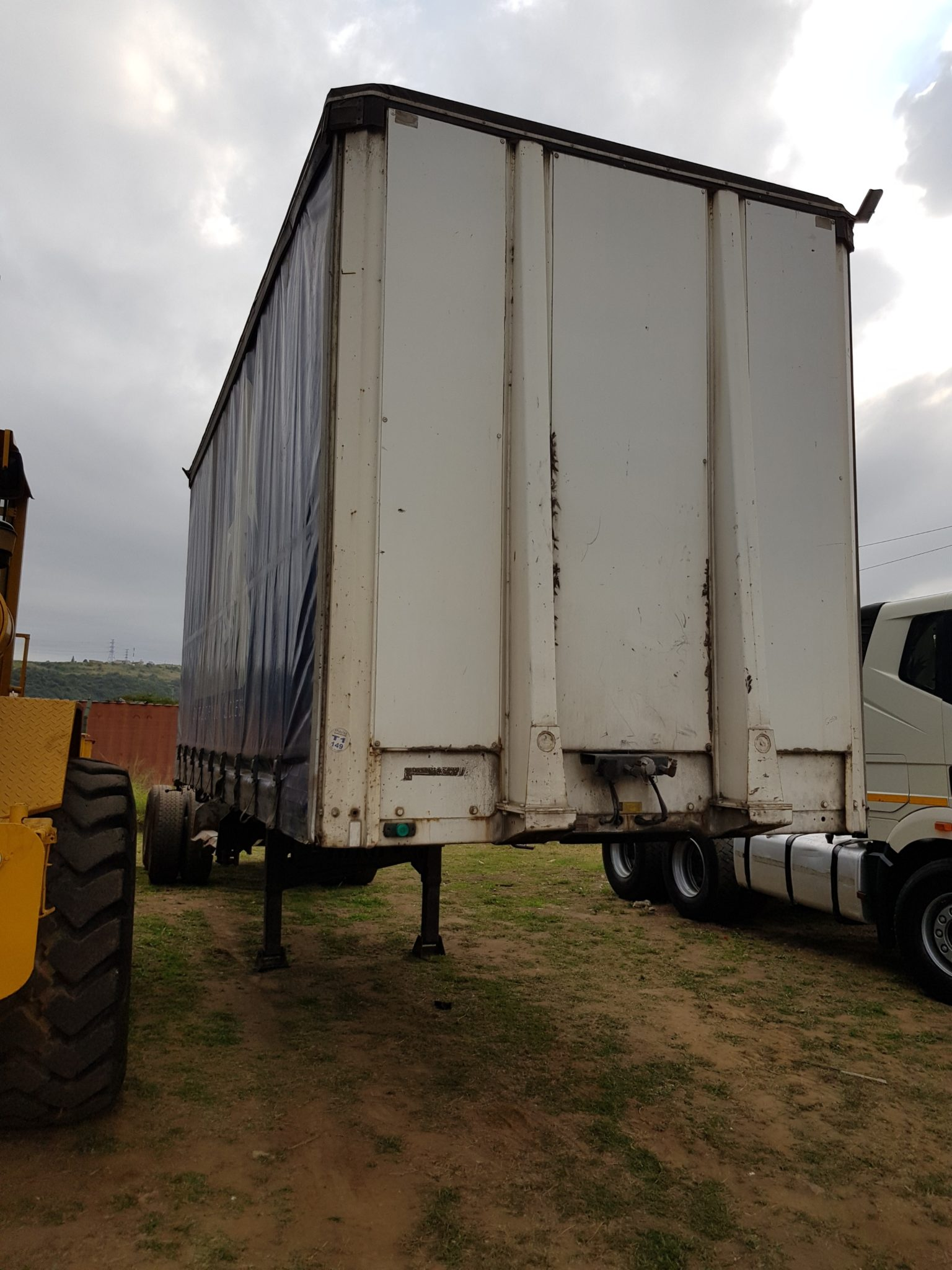 2012 AFRIT CURTAIN SIDE TRAILER Image