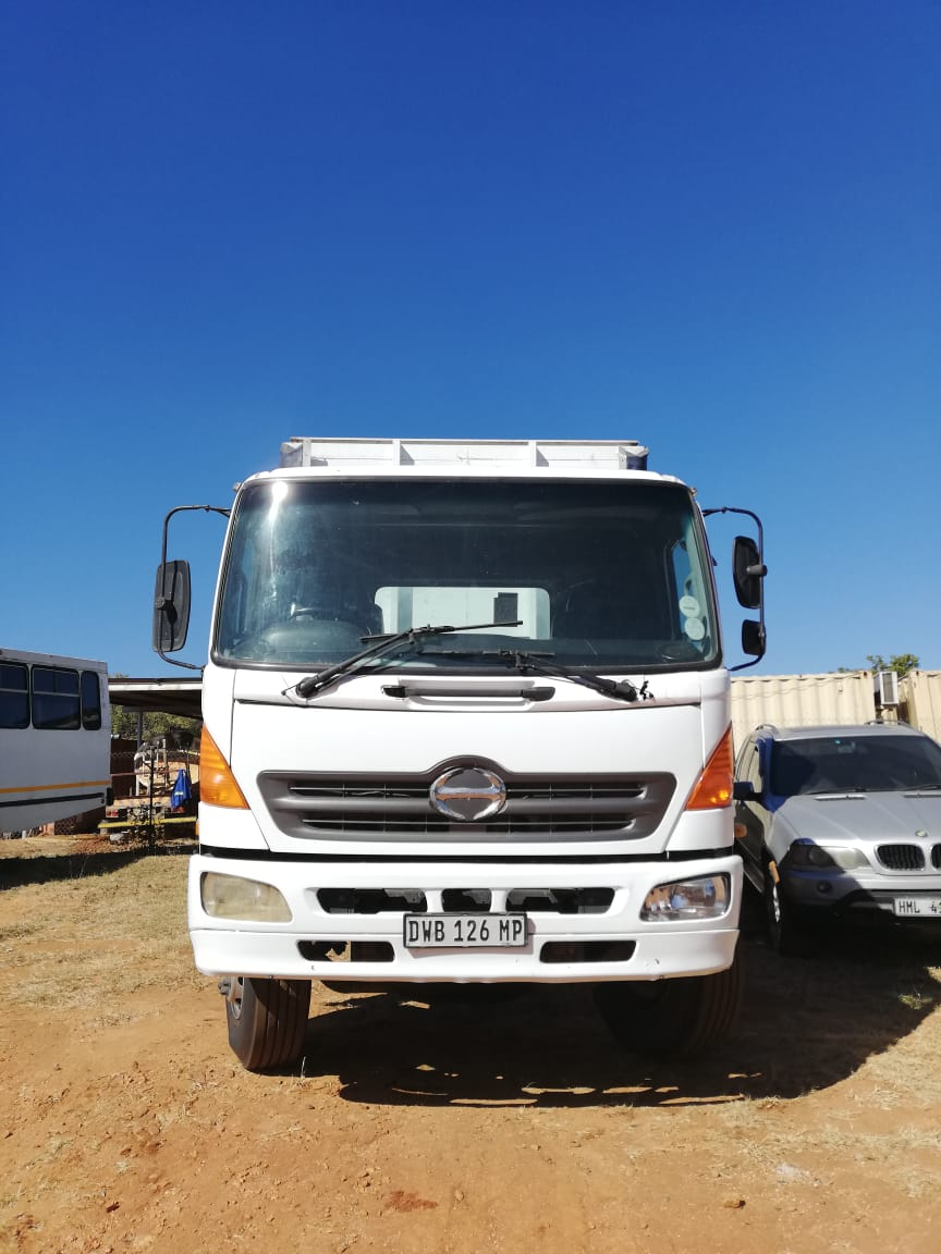 2008 HINO 15-258 CURTAIN SIDE Image