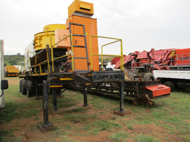 TOP TRAILERS TRI AXLE WITH ORE CRUSHER GENERATOR Image