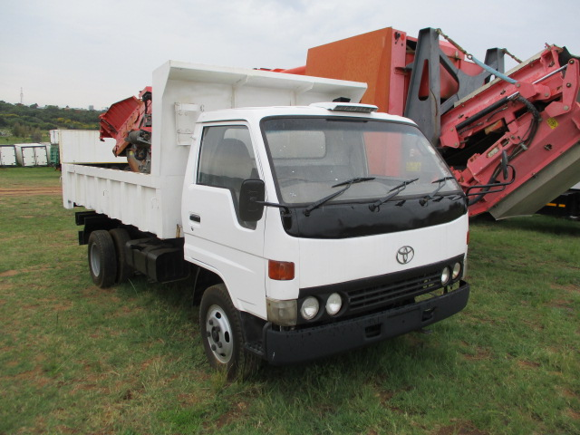 2001 TOYOTA DYNA 4M3 TIPPER Image