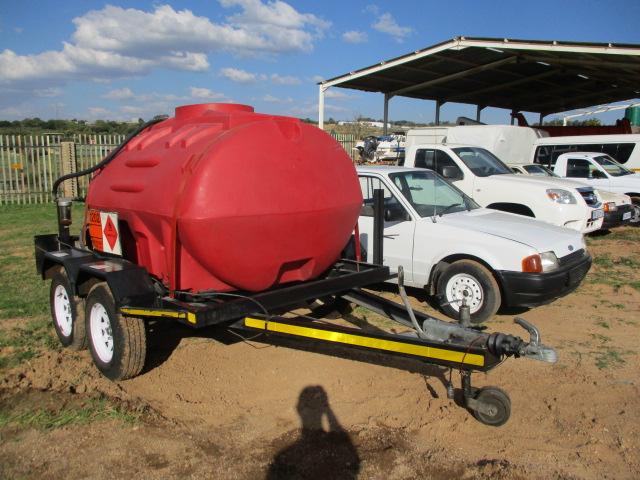 2011 BRINTO ENGINEERING 2000LT DIESEL BOWZER TRAILER Image