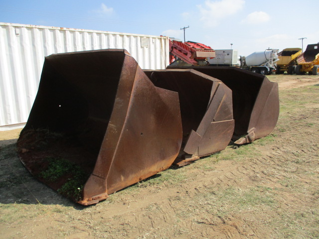 3X FRONT END LOADER BUCKETS Image