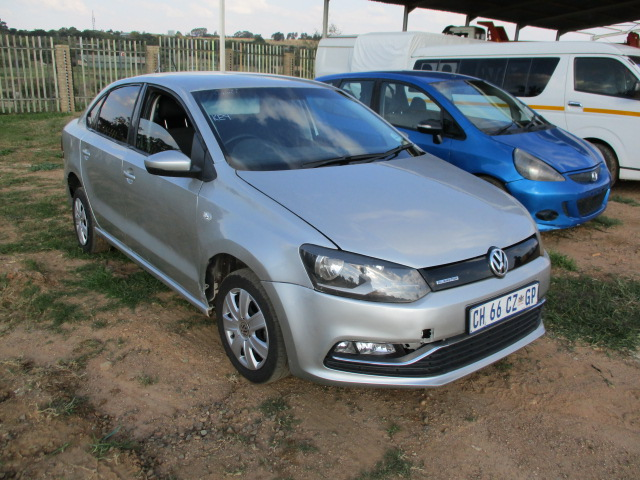 2013 VOLKSWAGEN POLO 1.6 BLUE MOTION Image