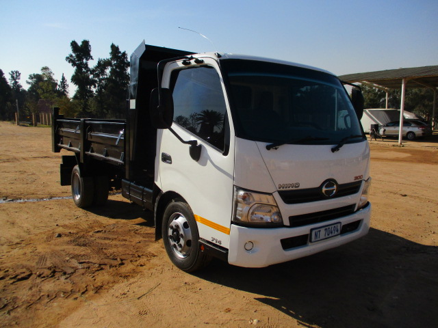 HINO 300 714 3M3 TIPPER Image
