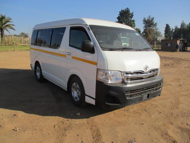 2013 TOYOTA QUANTAM GL 10 SEATER BUS Image