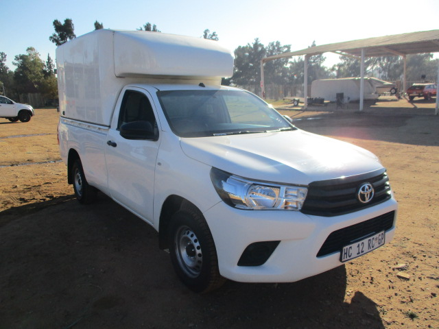 2017 TOYOTA HILUX 2.4 GD6 LDV WITH CANOPY Image