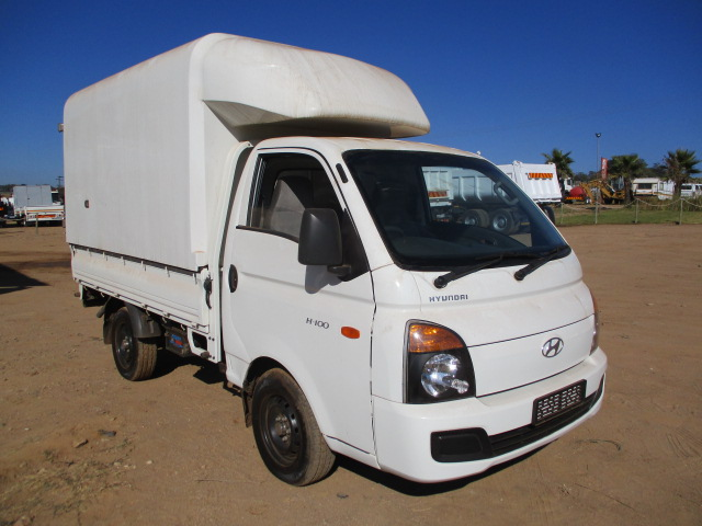 2015 HYUNDAI H100 WITH CANOPY Image