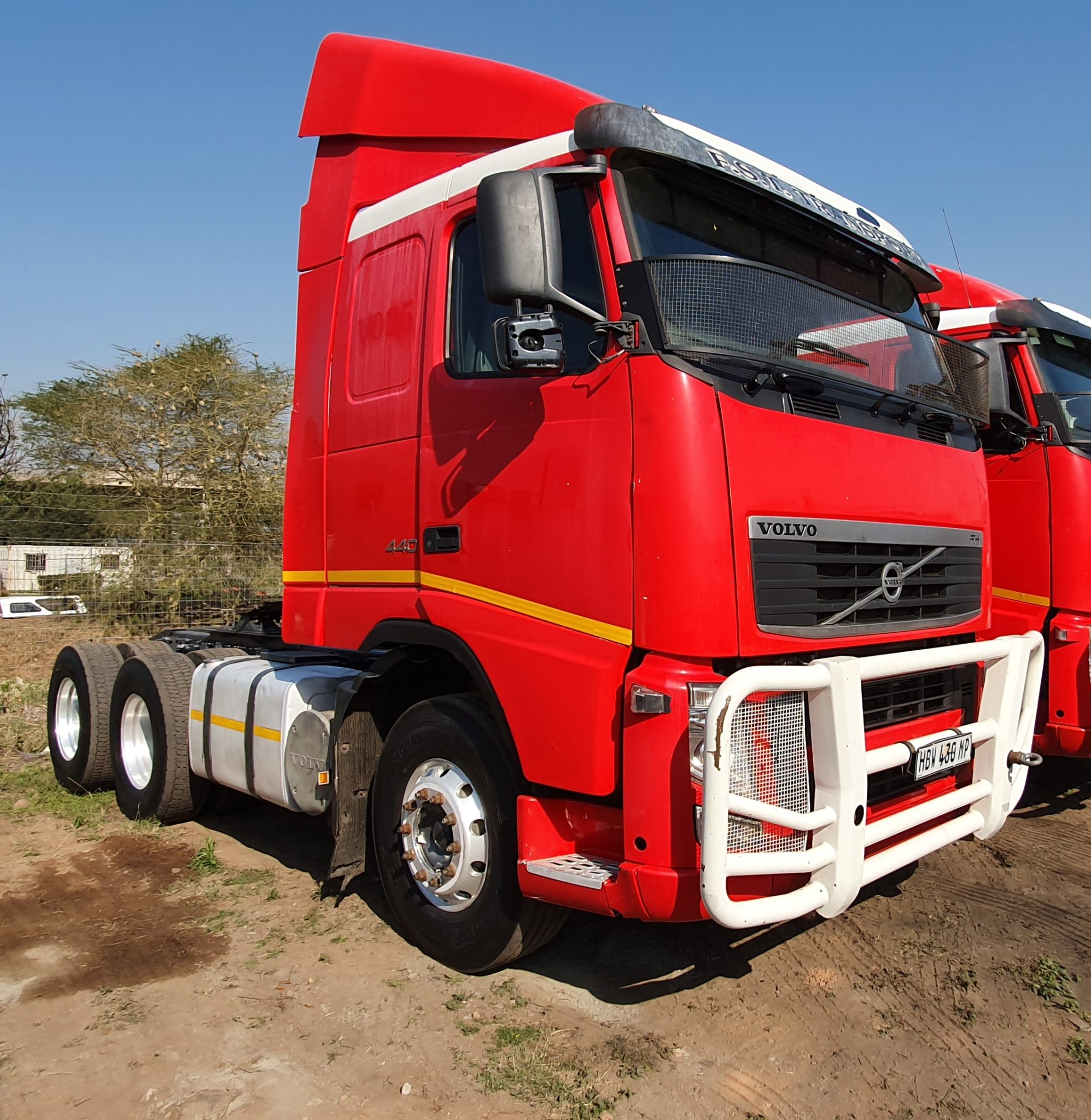 VOLVO FH440 6X4 MECHANICAL HORSE Image