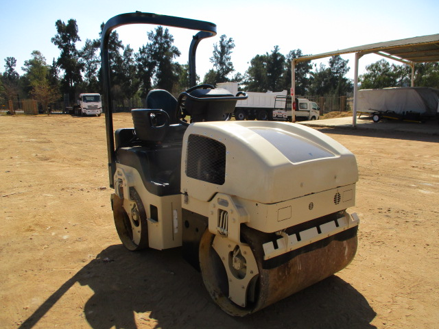 INGERSOLL RAND DD-24 RIDE ON ROLLER Image