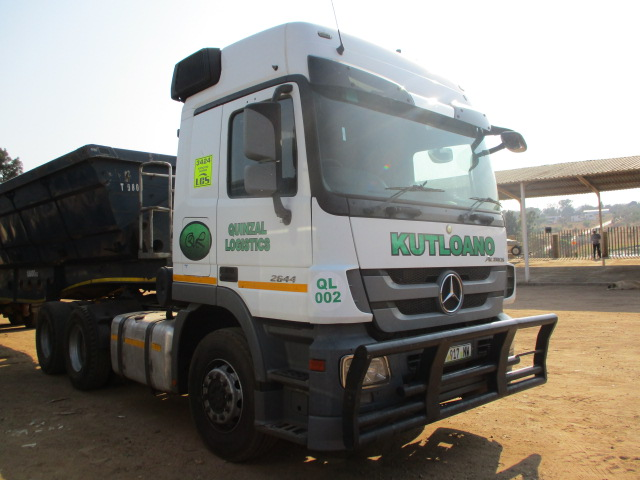 MERCEDES BENZ ACTROS 2644 6X4 MECHANICAL HORSE Image