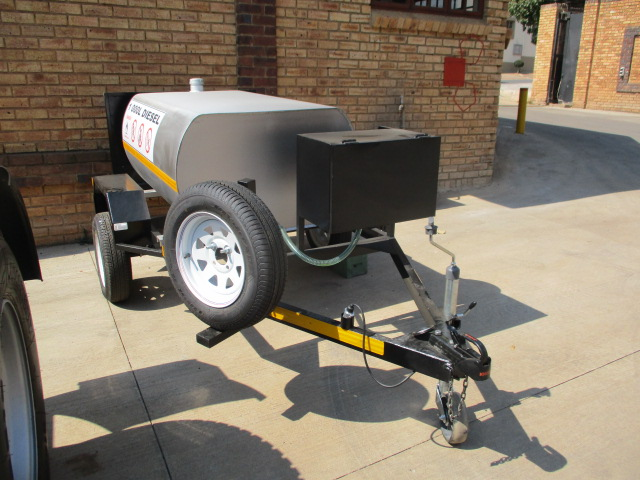 1000lt DIESEL BOWZER TRAILER WITH PUMP & METER Image