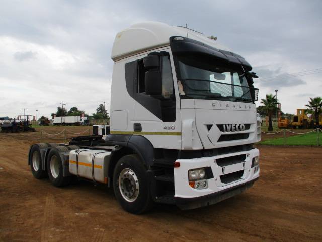 IVECO STRALIS 430 6X4 MECHANICAL HORSE Image