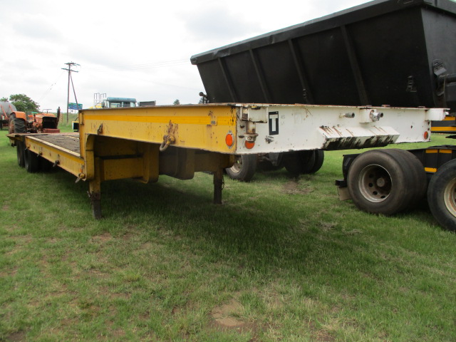 VICTOR DOUBLE AXLE STEP DECK TRAILER Image