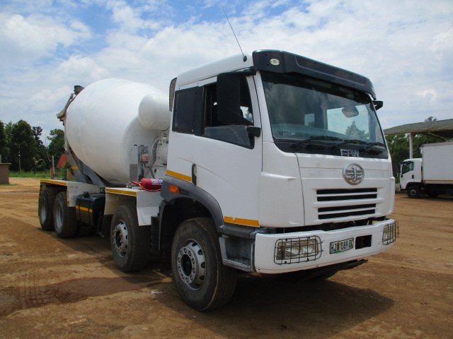 FAW TWINSTEER 8 CUBE CONCRETE MIXER Image