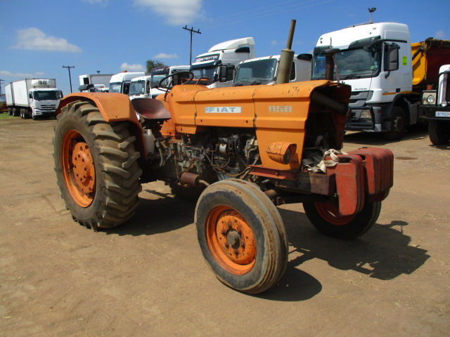 FIAT 850 4X2 TRACTOR Image
